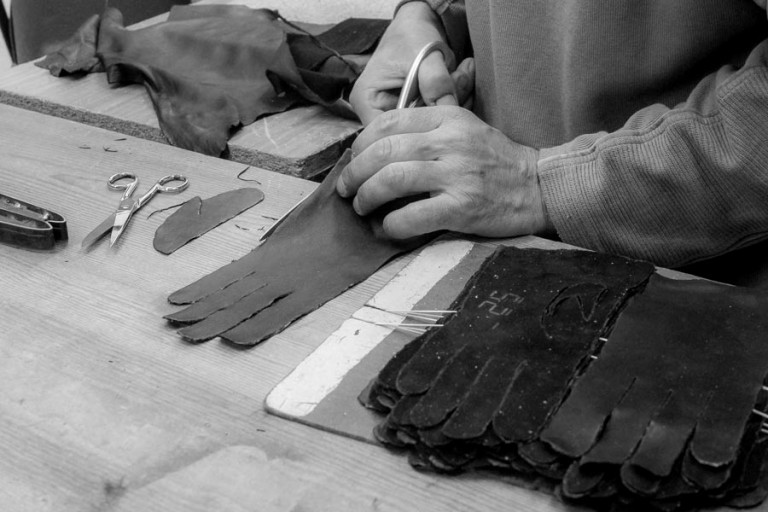 Faulhaber Products cutting leather gloves