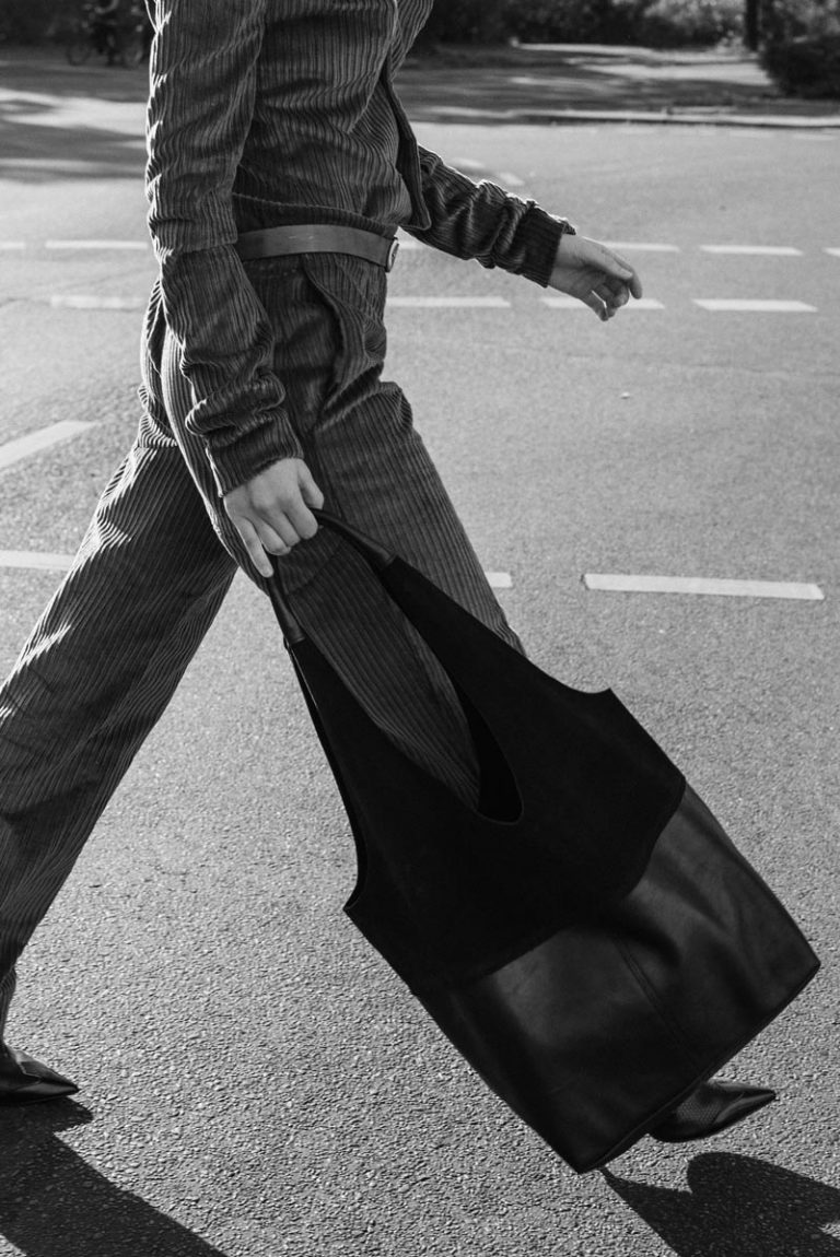 Street walk with Faulhaber Products LIF totebag in black leather mix