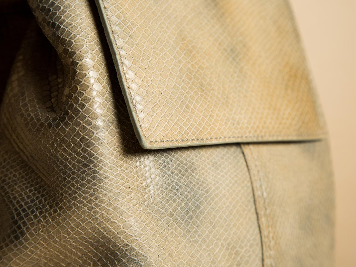 Leather structure of Faulhaber Products ROTA handbag in special fake snake leather