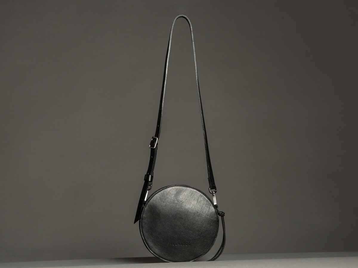 Faulhaber Products front view of VE handbag in black vegetal tanned leather