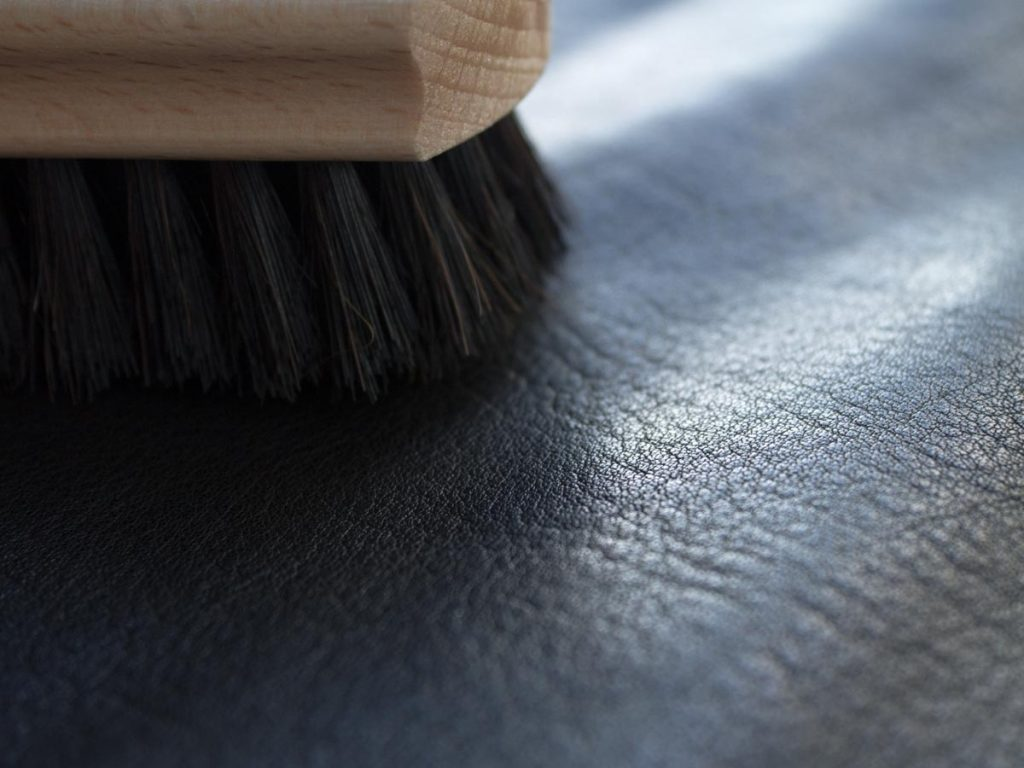 Soft brush on vegetal tanned leather